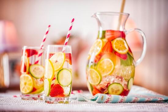 Bebidas refrescantes para este verano - Agua Saborizada