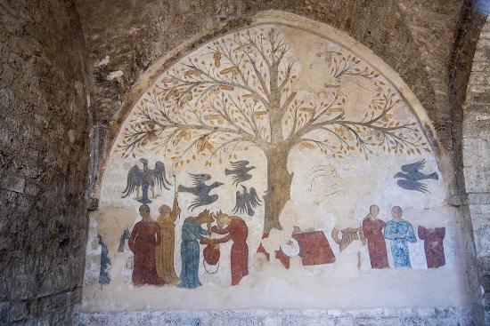 Brujas roba pene - Mural de árbol de penes en la Toscana