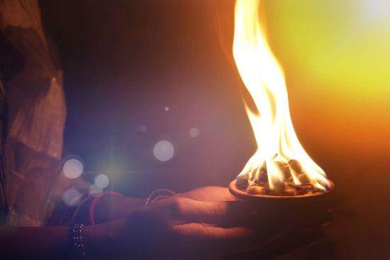 caldero fuego, hechizos de destierro