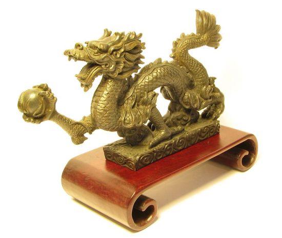 Dragón Chino - Escultura dorada