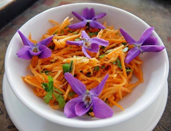 Flores comestibles - Ensalada con Violetas
