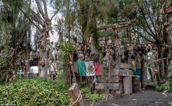 isla_munecas_malditas_mexico