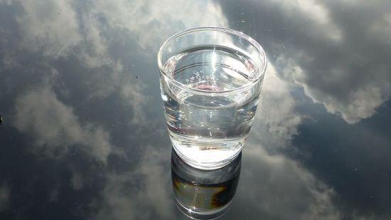 Vaso de agua de luna